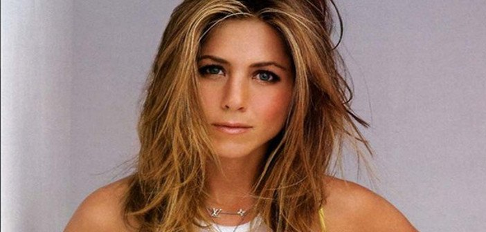 Jennifer Aniston - HeadStuff.org