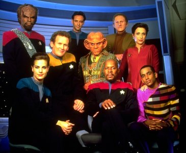 The cast of Deep Space 9 - HeadStuff.org