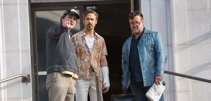 Director Shane Black with Ryan Gosling and Russell Crowe on the set of The Nice Guys. - HeadStuff.org