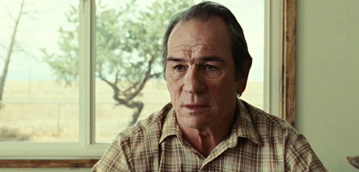 Tommy Lee Jones in the Coen Brothers' No Country for Old Men - Headtuff.org