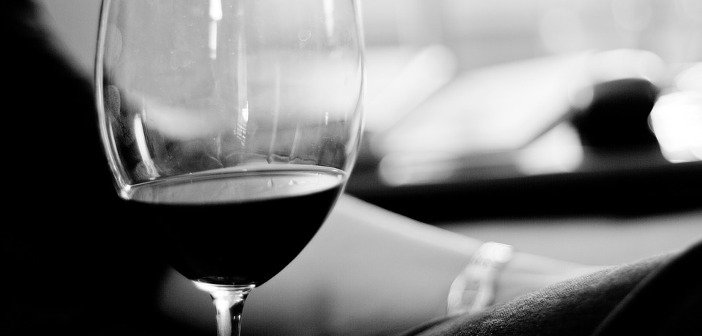 Wine glass - HeadStuff.org