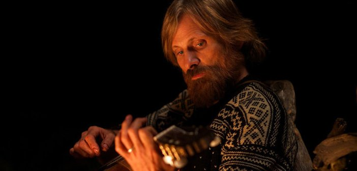 Viggo Mortensen in Captain Fantastic - HeadStuff.org