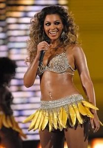 Beyonce dressed as Josephine Baker - headstuff.org