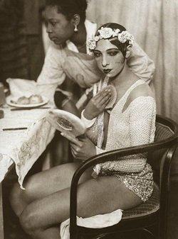 Josephine Baker - headstuff.org