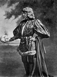 Sarah Bernhardt as Hamlet - headstuff.org
