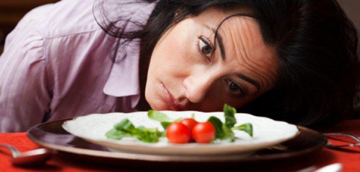 Woman salad - HeadStuff.org