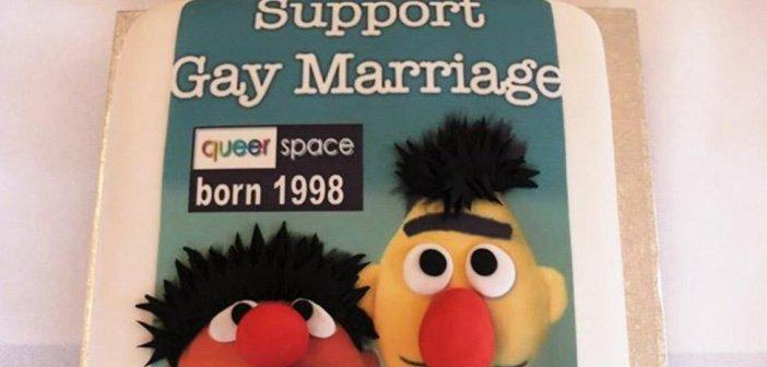 Gay cake - HeadStuff.org
