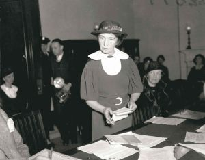 Margaret Sanger testifying to Congress - headstuff.org