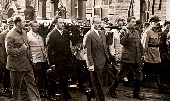 Stalin at Gorky's funeral - headstuff.org