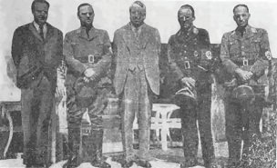 William Randolph Hearst posing with Nazis - headstuff.org