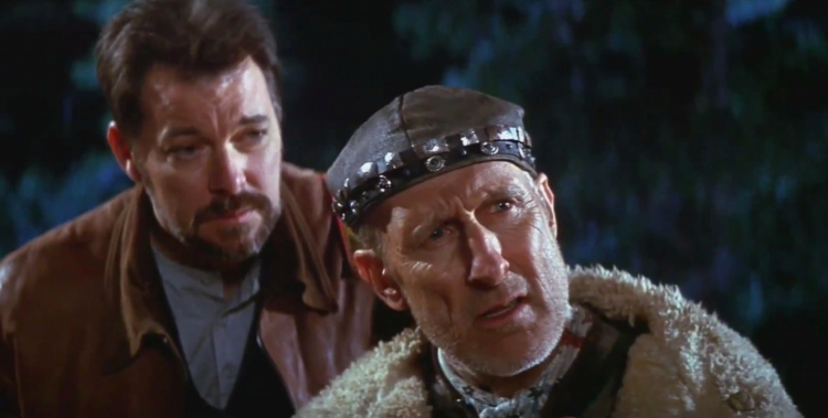 James Cromwell as Cochrane and Jonathan Frakes as Riker in First Contact. - HeadStuff.org