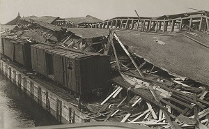 The aftermath of the Black Tom explosion - headstuff.org