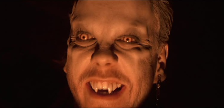 Kiefer Sutherland in The Lost Boys - headstuff.org