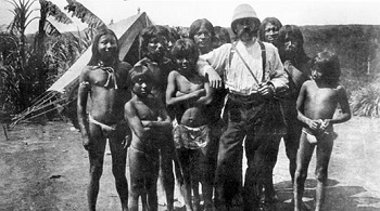 Roger Casement with a group of Peruvian natives - headstuff.org