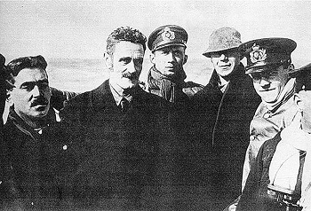 Roer Casement and a German U-Boat crew - headstuff.org