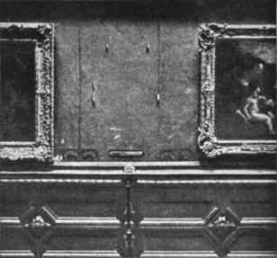 The wall which the Mona Lisa was stolen from - headstuff.org