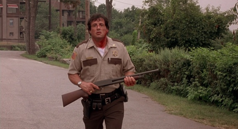 Stallone in the finale of Cop Land. - HeadStuff.org
