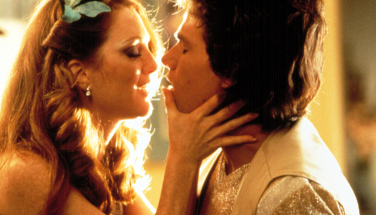 Julianne Moore and Mark Wahlberg in PT Anderson's Boogie Nights. - HeadStuff.org