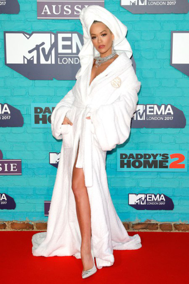 Rita Ora - HeadStuff.org