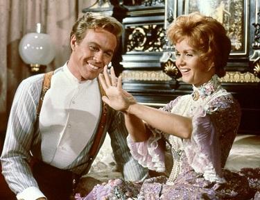 Debbie Reynolds and Harve Presnell - headstuff.org