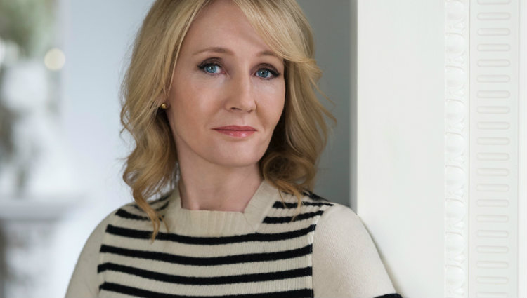 Female author - JK Rowling
