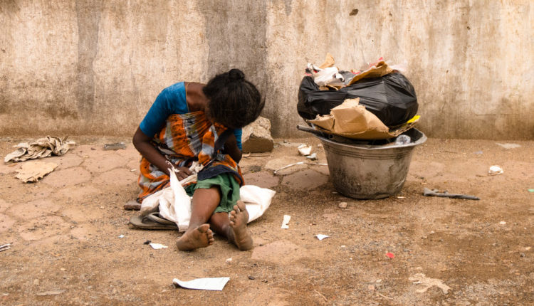 Woman-and-Poverty - HeadStuff.org