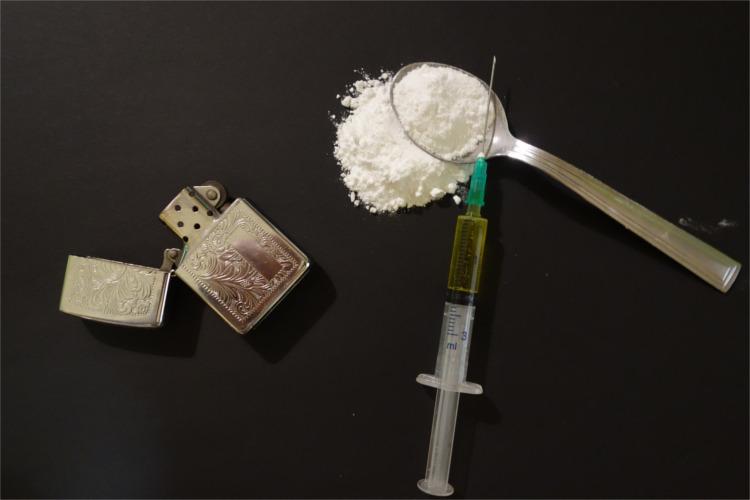 Opioids Heroin Trump's Drug Proposal injecting - HeadStuff.org