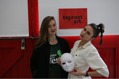 Anna Cosgrave, (left) Founder of Repeal Project, Sophie Murphy (right) Founder of Taproot Art