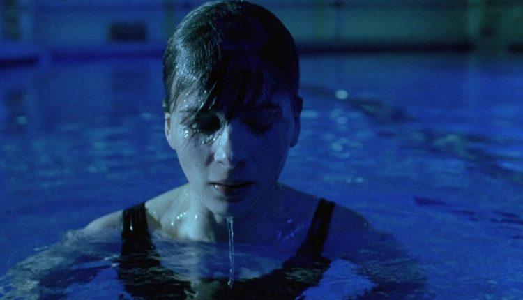 Julie (Juliette Binoche) in Krzysztof Kieslowski's masterpiece Blue - HeadStuff.org