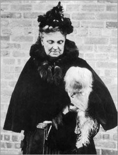 Hetty Green and her dog Dewey - headstuff.org