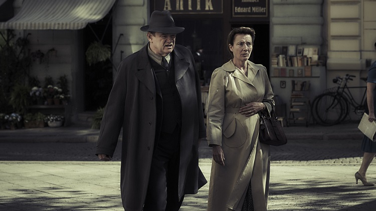 "Brendan Gleeson and Emma Thompson in ""Alone In Berlin"" - headstuff.org"