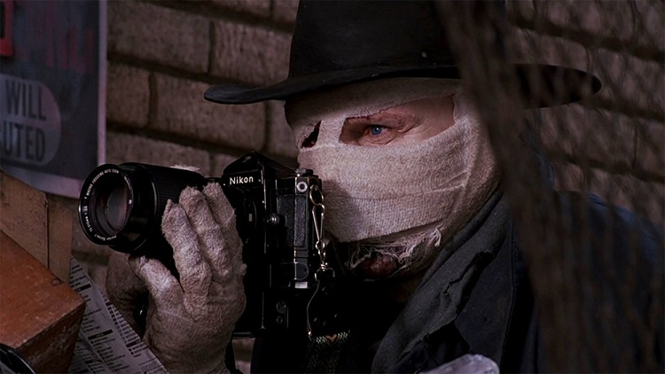 Darkman in his iconic face bandages - headstuff.org