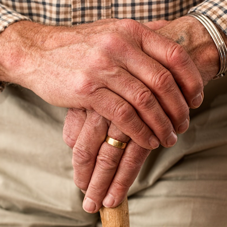 Seniors With a Community Volunteer Admitted to Hospital 8% Less than Others