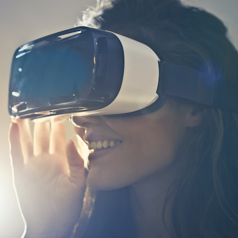 Virtual Reality Leads the Week: Top 5 Stories in Health Tech