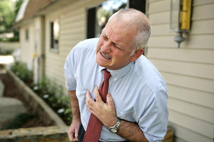 """Chest Pains Are a Warning Sign of a Heart Attack"""