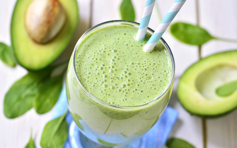 Avocado detox smoothie helps lose weight
