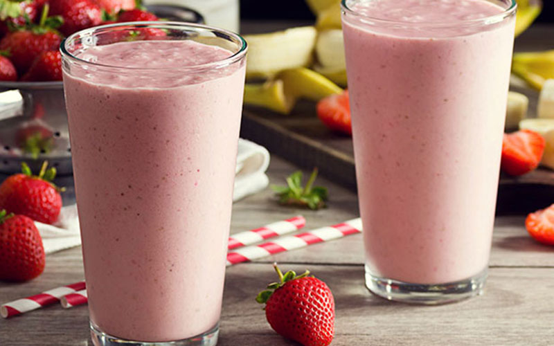 Lose Weight with strawberry banana smoothie