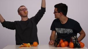 Vidéo - Garnements Inc. - Three Oranges in One Minute?