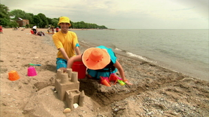 Vidéo - It`s Summer: Sand Castle