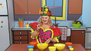 Vidéo - Madame Fruitée Makes a Cake: Mixing