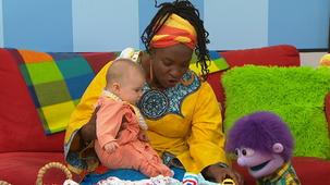 Vidéo - Baby at Mini TFO:  Chérie (5 months)  1