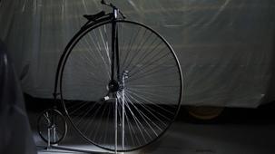 Vidéo - La bicyclette à grande roue