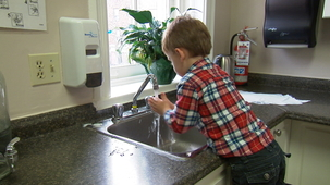 Vidéo - The Little Kitchen Helpers: Three Hygiene and Safety Rules