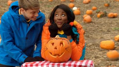 Vidéo - Universe: Fall Fun: Decorating a Pumpkin
