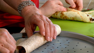 Vidéo - A recipe for French crepes, savoury crepes.