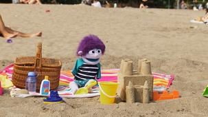 Vidéo - Les bonheurs d'été de Charlie : Château de sable