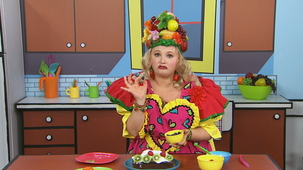 Vidéo - Madame Fruitée Makes a Cake: Decorating