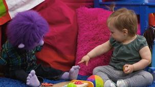 Vidéo - Un bébé à Mini TFO : La visite de Petite Chérie (12 mois) partie 1