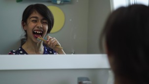 Vidéo - Brosser mes dents