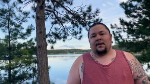 Vidéo - Épisode 5 - G.R. Gritt artiste métis de Sudbury renoue avec les terres de ses ancêtres.